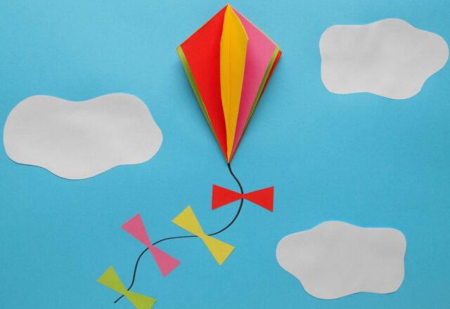 Объемная аппликация «Воздушный змей» из цветной бумаги пошагово