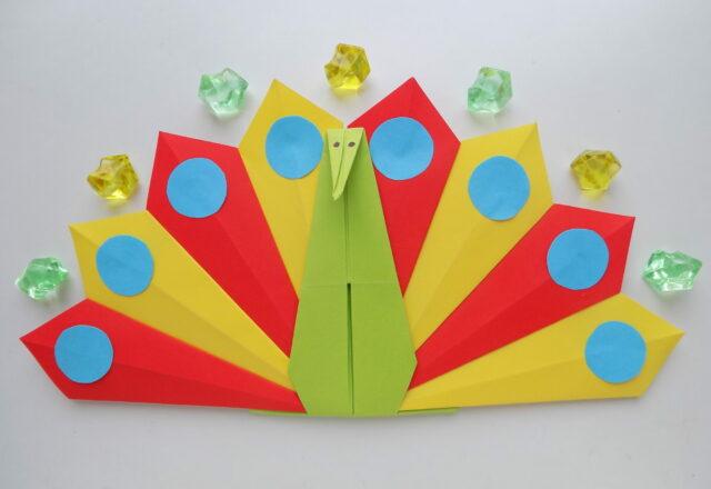 """Модульное оригами из цветной бумаги """"Павлин"""""""