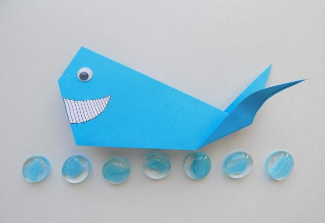 """Как сделать поделку оригами """"Кит"""" из бумаги поэтапно"""